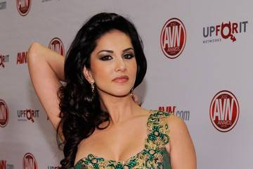 sunny leone without coloth