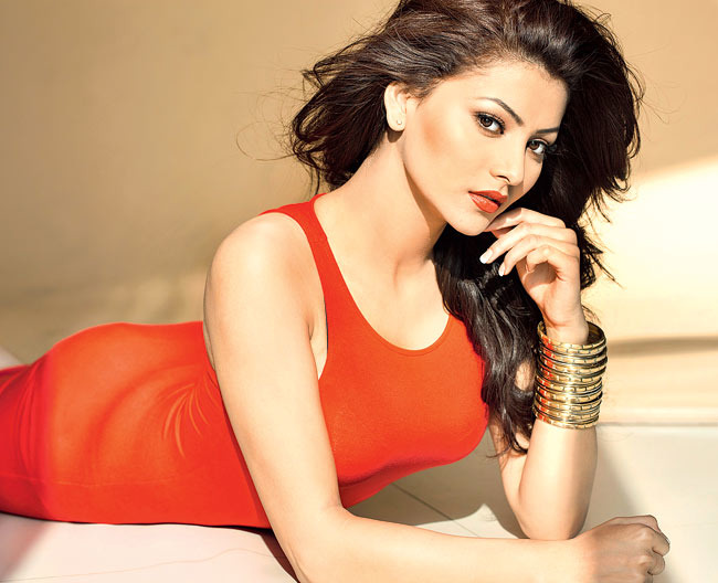 Urvashi Rautela Dethroned Revealed: The d...