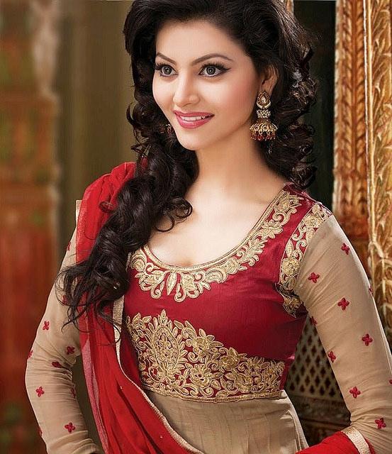 Urvashi Rautela Height Friends - India...