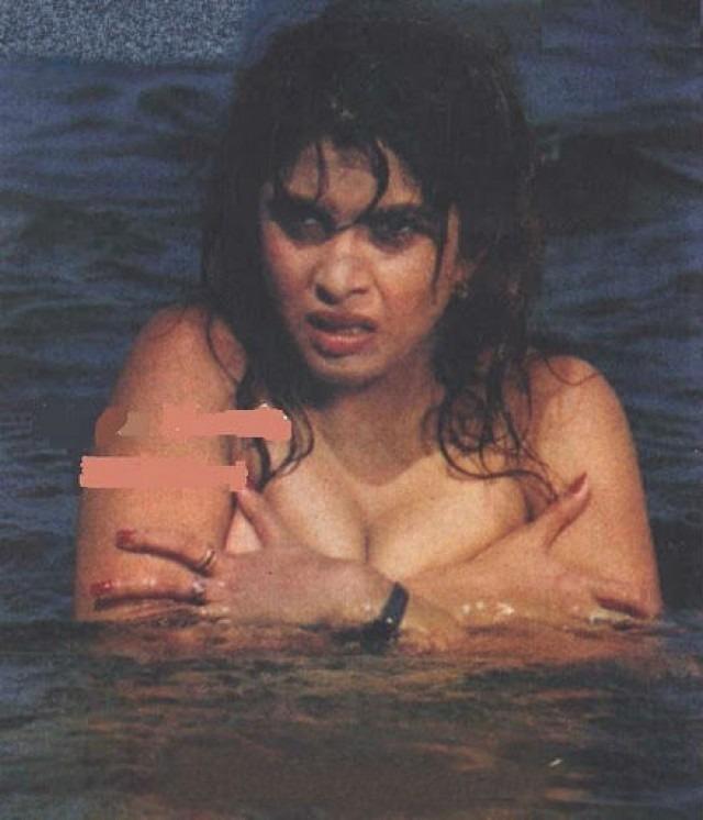 Aishwarya rai sexy boobs pics-9410