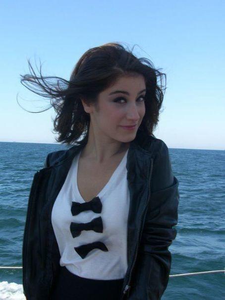 Rubina dilaik hot photoshoot celebrity