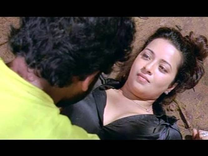 Yuganiki Okkadu Scene - Karthi With Hot Girls In Forest ...