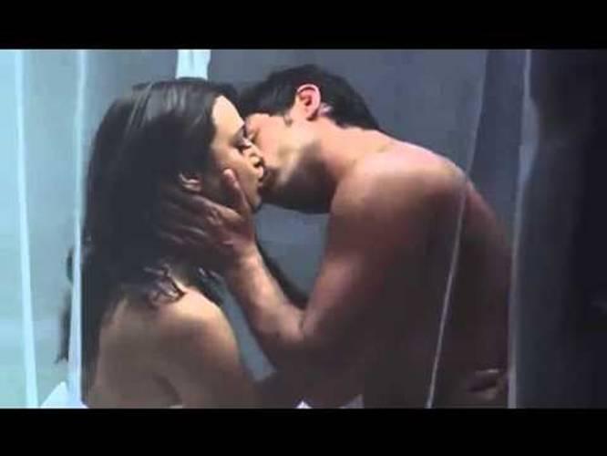 Priety zinta hot kiss