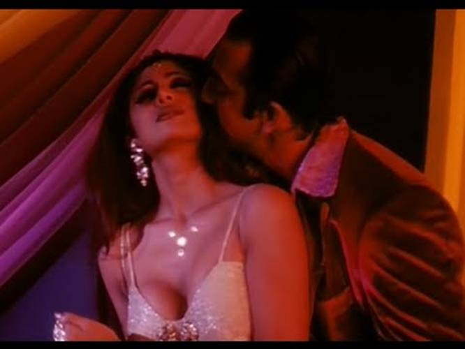 Sanjay Dutt And Shilpa Shetty Hot Bedroom Scene Dirty Love Making Video Indiatimes Com