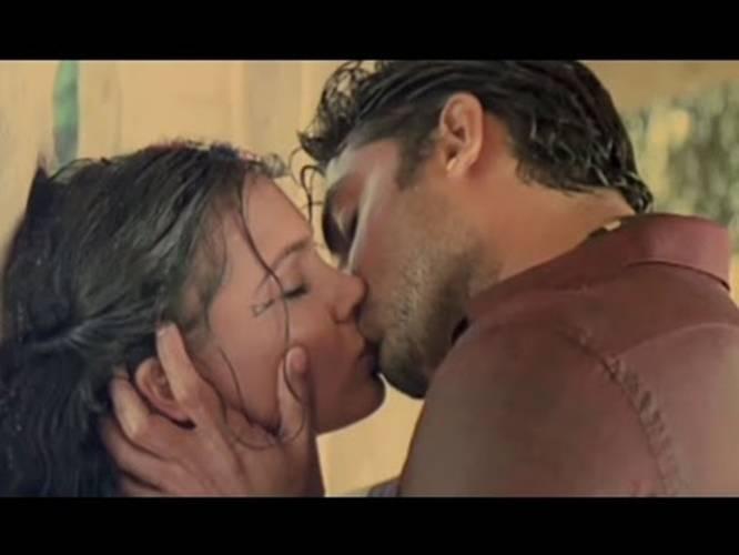 dna-hot-kiss-clitoris-girl
