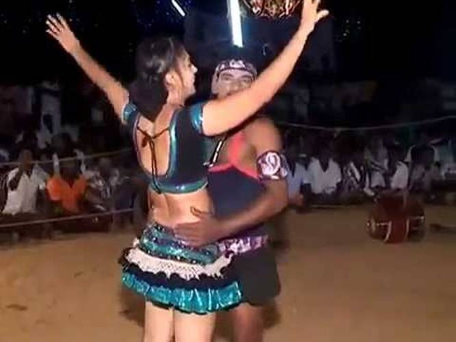 Record dance south india 5
