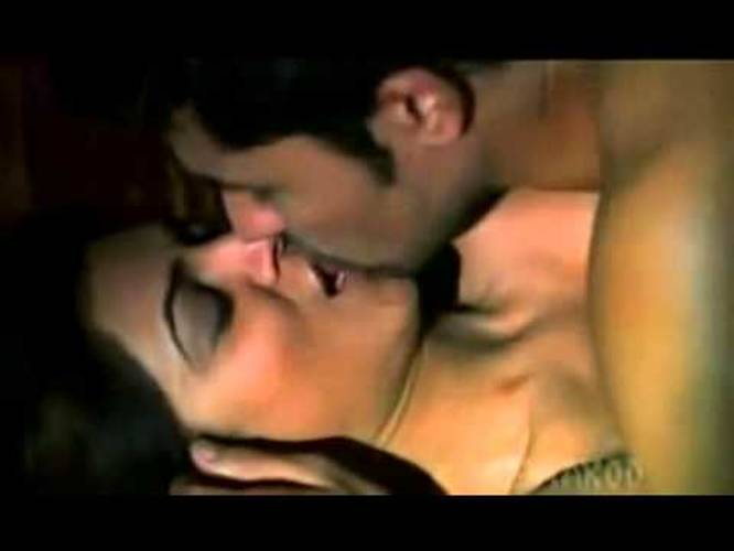 Sushmita Sen Hot Kissing