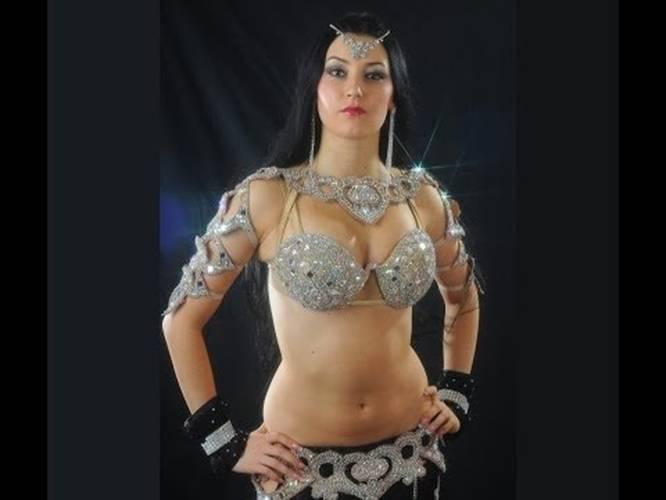 Arabic Hot Dance In Home