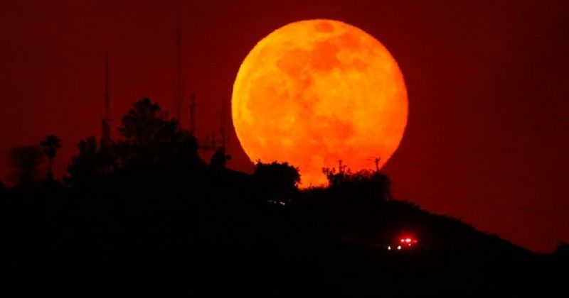 red moon today india time - photo #22