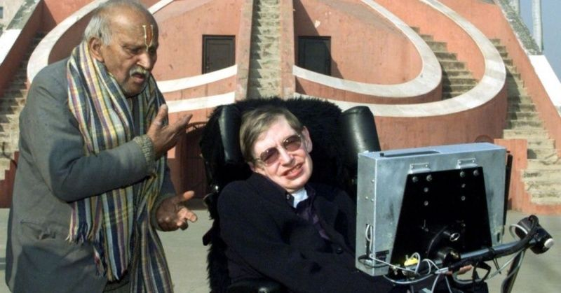 He Lives On In Our Hearts, As We Fondly Remember Stephen Hawking's Trip To India In 2001