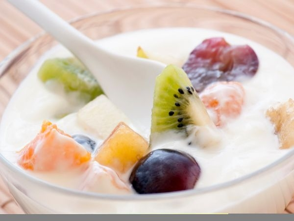 Fresh Berries with Yoghurt