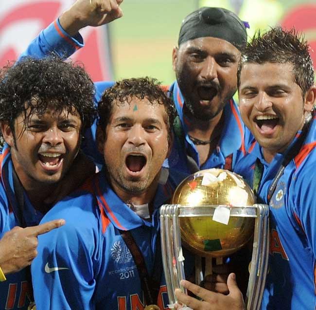 Sachin Tendulkar celebrates