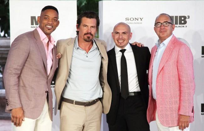 Will Smith, left, Josh Brolin, second from left, singer Pittbull and director Barry Sonnenfeld