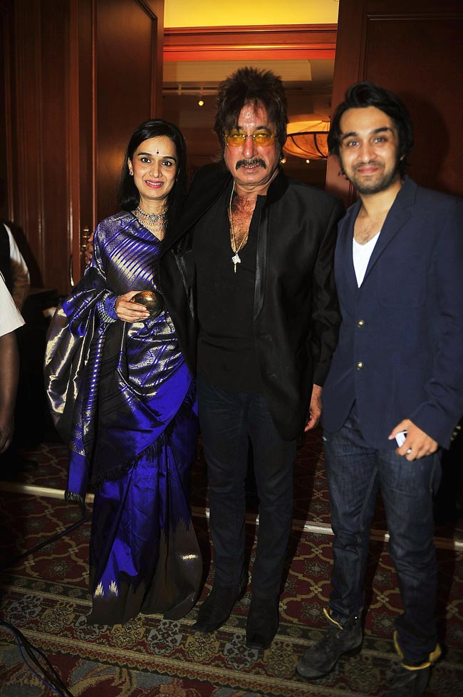 Shakti Kapoor with wife Shivangi and son Siddhant