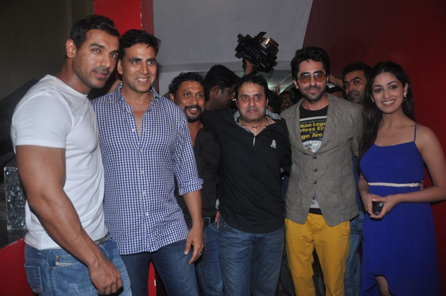 Vicky Donor team and Akshay Kumar