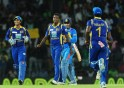 Sri Lankan cricketer Angelo Mathews (2L)