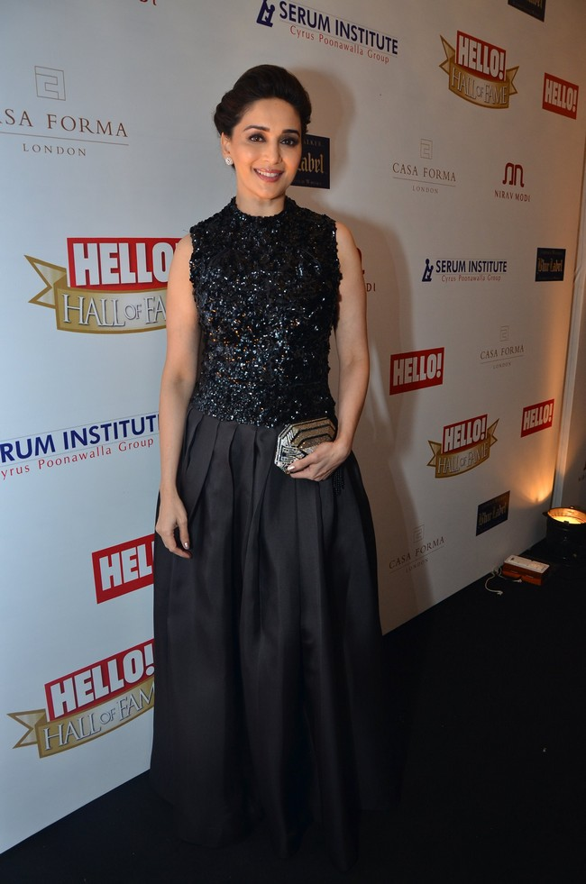 Courtesy: Hello! Hall of Fame Awards 2012