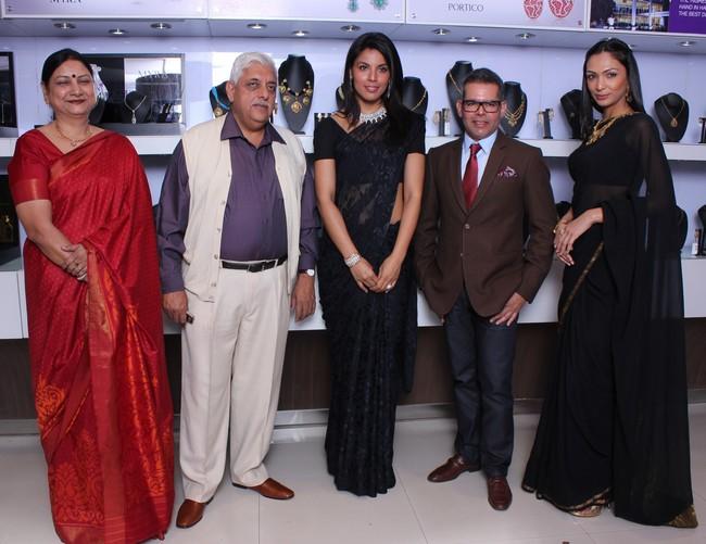 Alka & Ajay Vishnoi, Deepti Gujral, Shamita Singha, Udayan Tiwari & Vikram Raizada