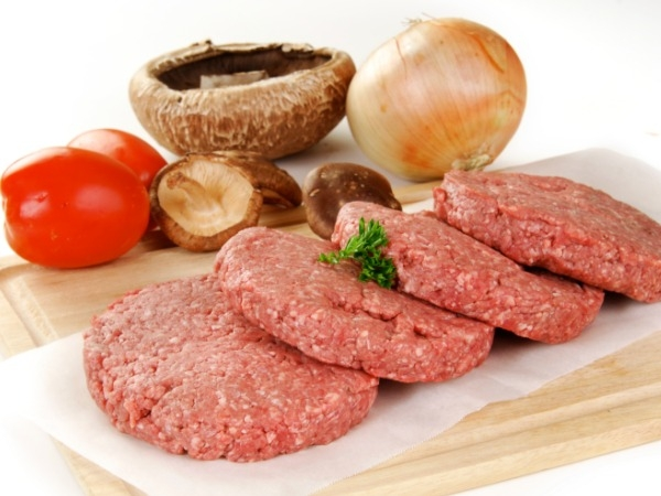 Raw Beef – How can you digest raw beef? Apparently it is a delicacy in regions of Hungary, Belgium, Croatia, Poland, Switzerland, Italy, Germany, Romania, Japan and even Nepal. It is minced beef or horse, marinated in wine and spices, served with sauce,