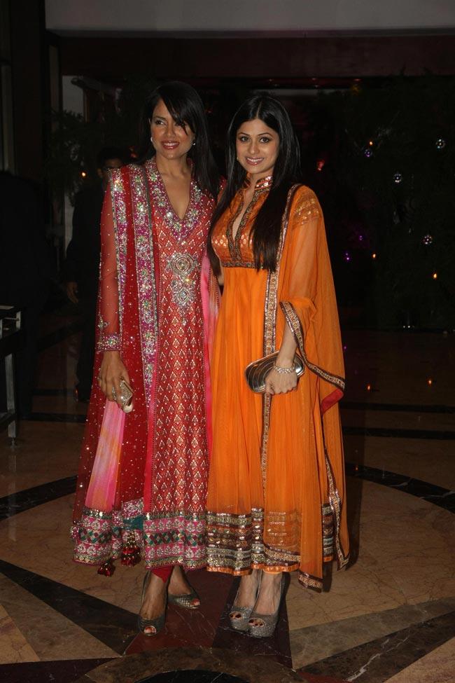 Sameera Reddy and Shamita Shetty