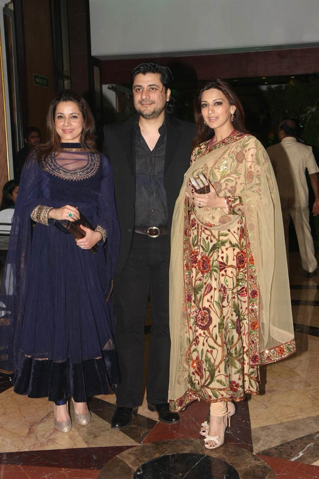 Neelam, and Goldie Behl with wife Sonali Bendre