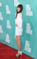 Stars show off fashion, talent at MTV Movie Awards