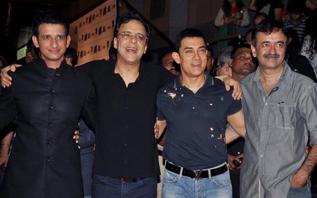 Sharman Joshi, Vidhu Vinod Chopra, Aamir Khan and Rajkumar Hirani