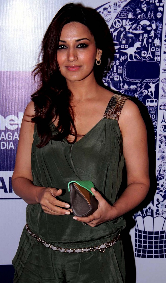 Sonali Bendre attends the Lonely Planet Magazine Travel Awards 2012 ceremony in Mumbai