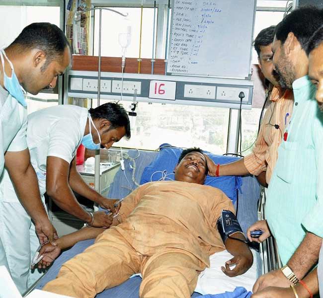 Arjun munda co escapes chopper crash for Arjun appadurai how to make a national cuisine