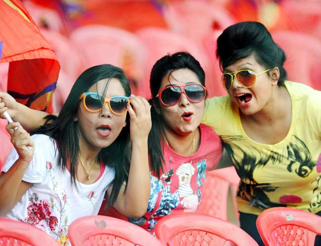 Colourful IPL fans