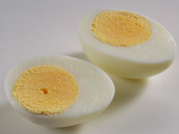 Eggs Eggs are a great source of protein and quick energy booster. If you are an egg lover, try the below mentioned egg cooking ways, to stay healthy. Hardboiled egg – 1 Egg They are the perfect snack to add protein in your diet when you are in the hurr