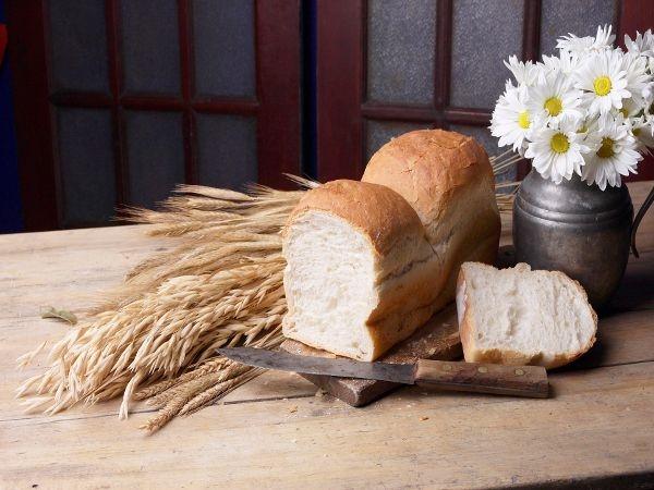 Beetroot, Bacon & Cheddar Brunch Bread