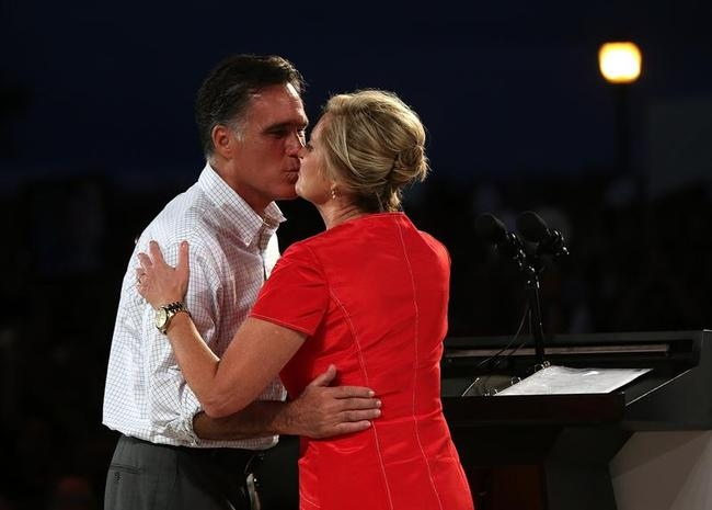 Mitt Romney Campaigns In Florida