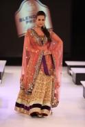 Malaika Arora walks for Vikram Phadnis