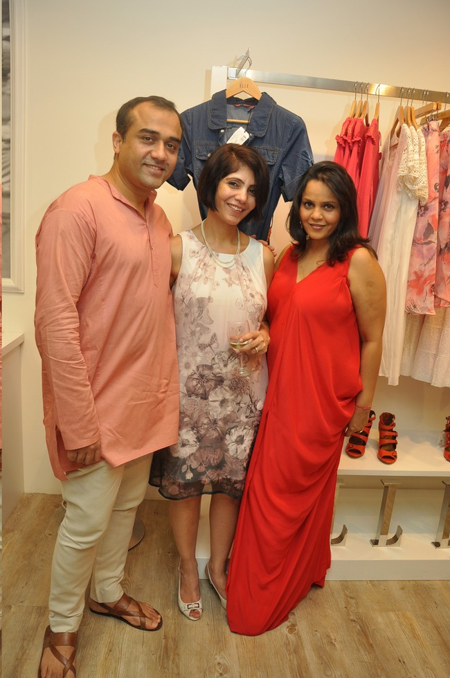 Gaurav & Preeti Mahajan with Kanika Vohra (Business head Elle Fashionwear)