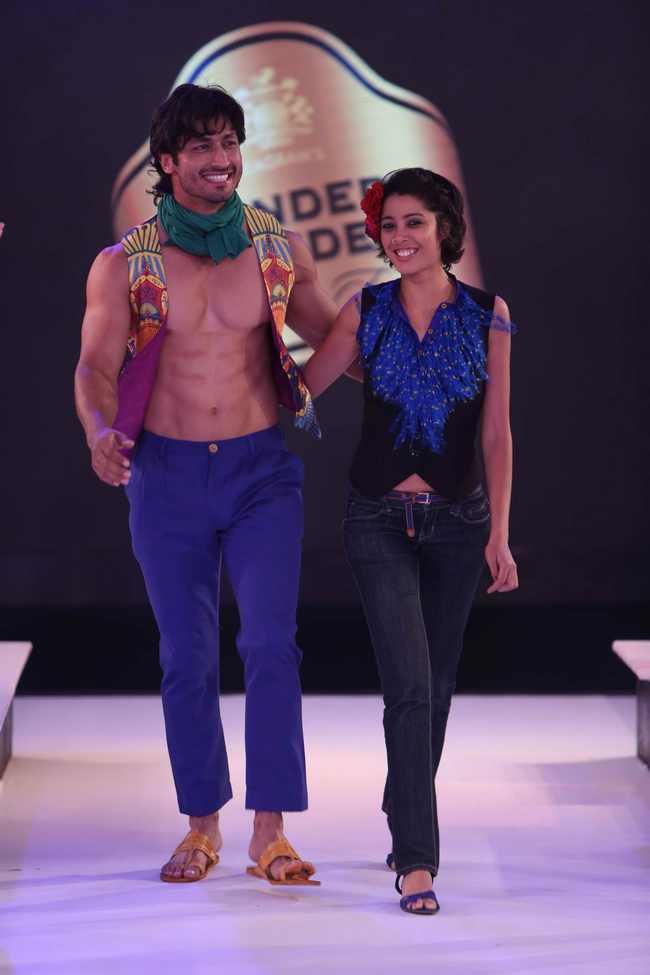 Vidyut Jamwal as showstopper for Nida Mahmood
