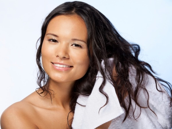 Can regular shampoos and conditioners protect your hair from the sun?