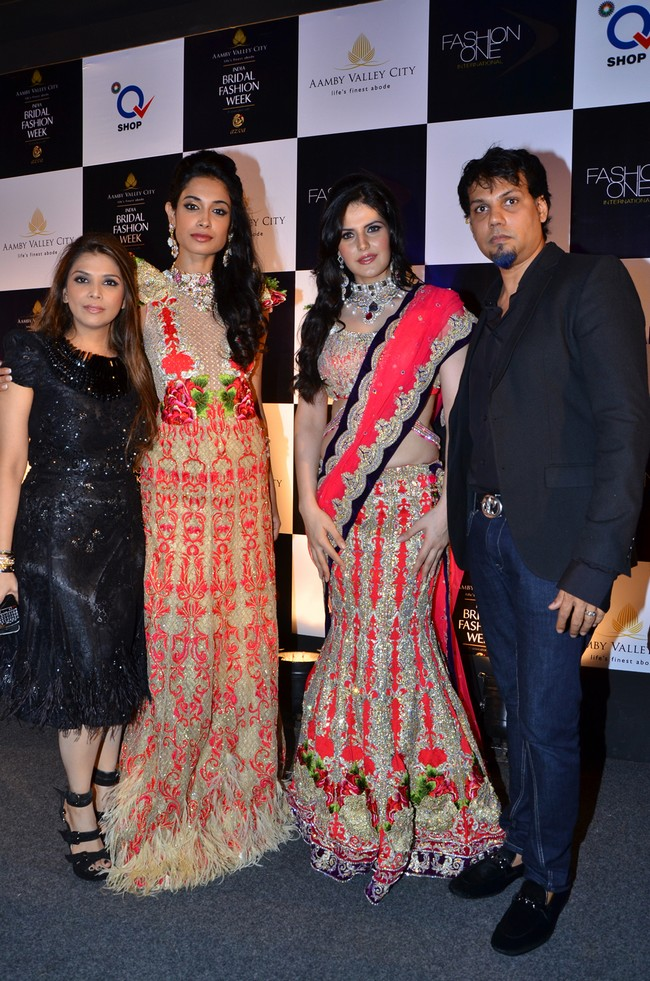 Falguni and Shane Peacock with show stoppers Sarah Jayne Dias and Zarine Khan