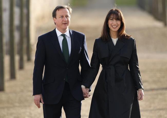 British PM David Cameron and his wife Samantha