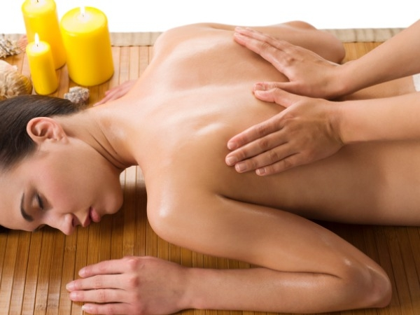 Massage therapy: Massages to De-stress Yourself: Indian Massage ( Abhyangam )