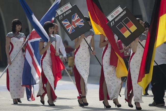 Grid Girls Sizzle at Formula One