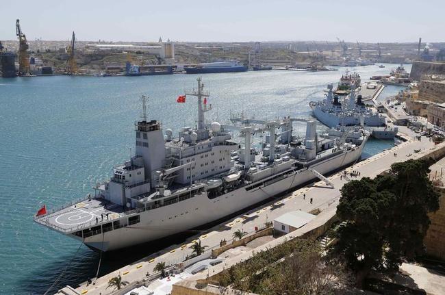 Chinese Navy Replenishment Ship Qinghaihu