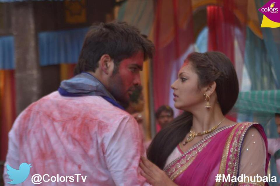 RK plays Holi with Madhu