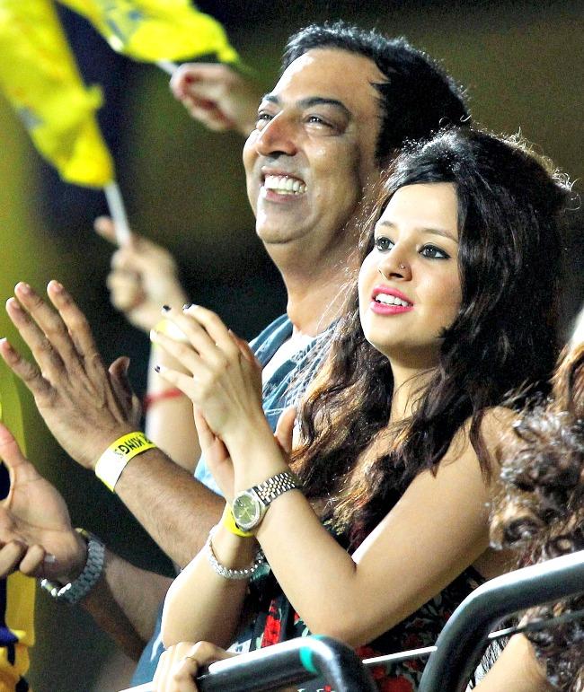 Many Moods of Sakshi Dhoni