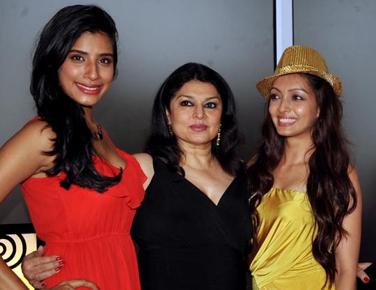 Gaelyn Mendonca, Kiran Sippy, Pooja Salvi