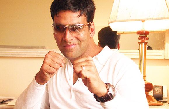 Akshay Kumar – Kaju Barfi