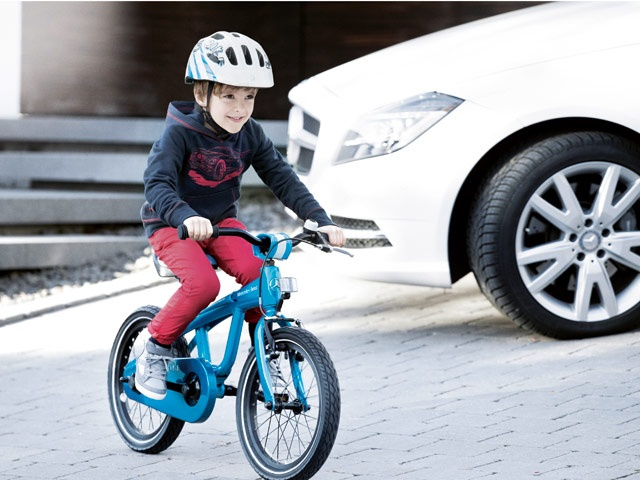 Mercedes-Benz Accessories Collection 2013 - Sport: Mercedes-Benz kids