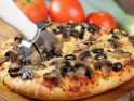 Healthy Mushroom and Gouda Pizza
