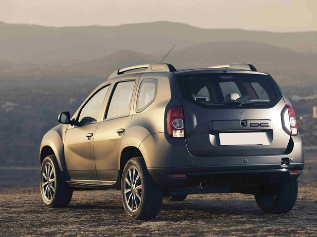 Renault DC Duster rear profile