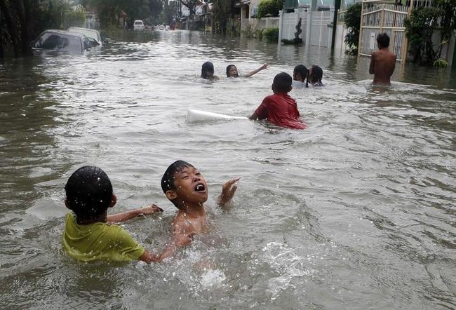 Floods Wreak Havoc in Philippines: PICS